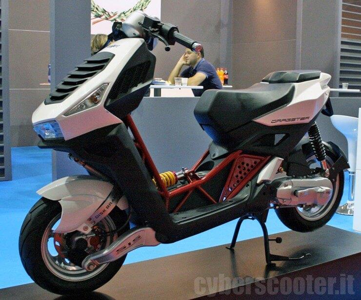 EICMA 2011: Dragster se vraća