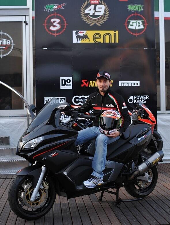 Max Biaggi Aprilia SRV 850