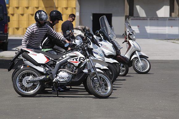 piaggio moto live tour